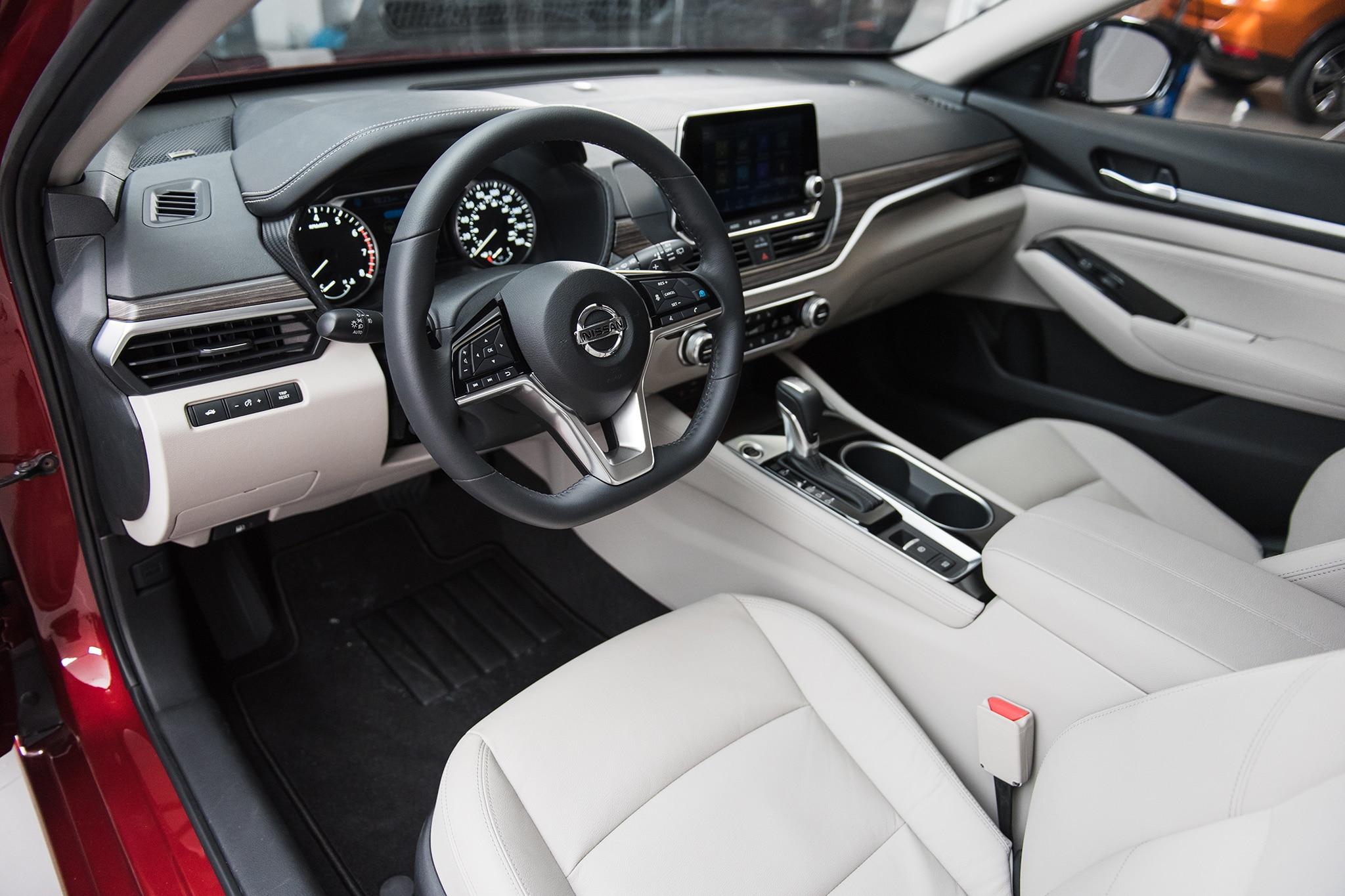 Nissan Altima 2.5Sl >> 2019 Nissan Altima Returns to Battle | Automobile Magazine
