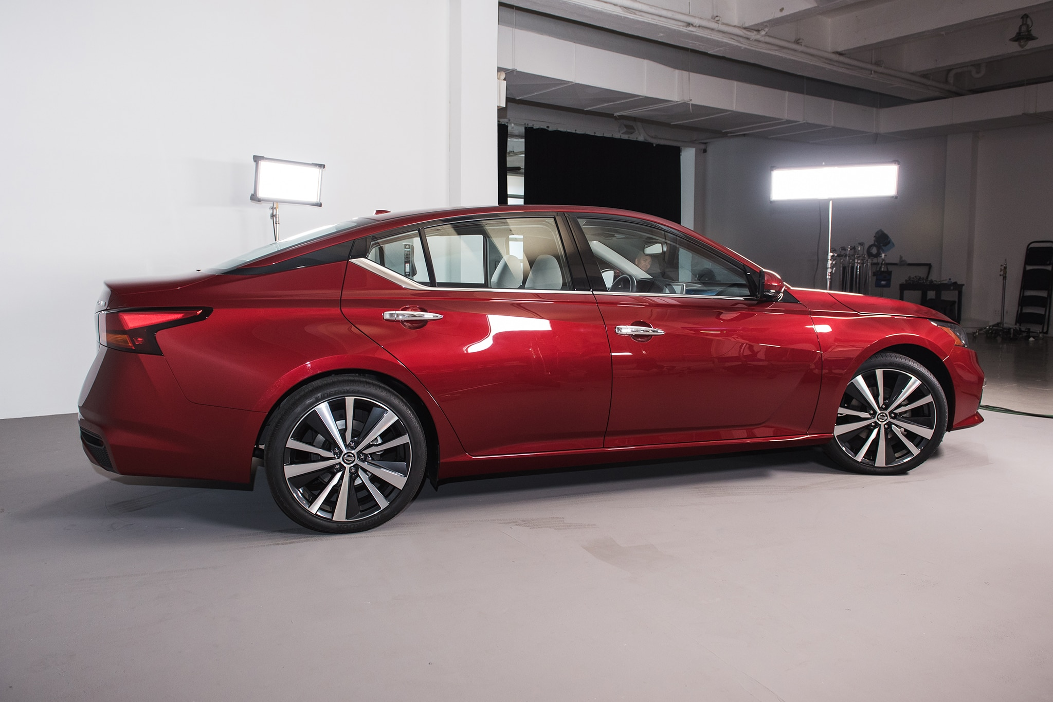 Five Cool Things About the 2019 Nissan Altima | Automobile ...