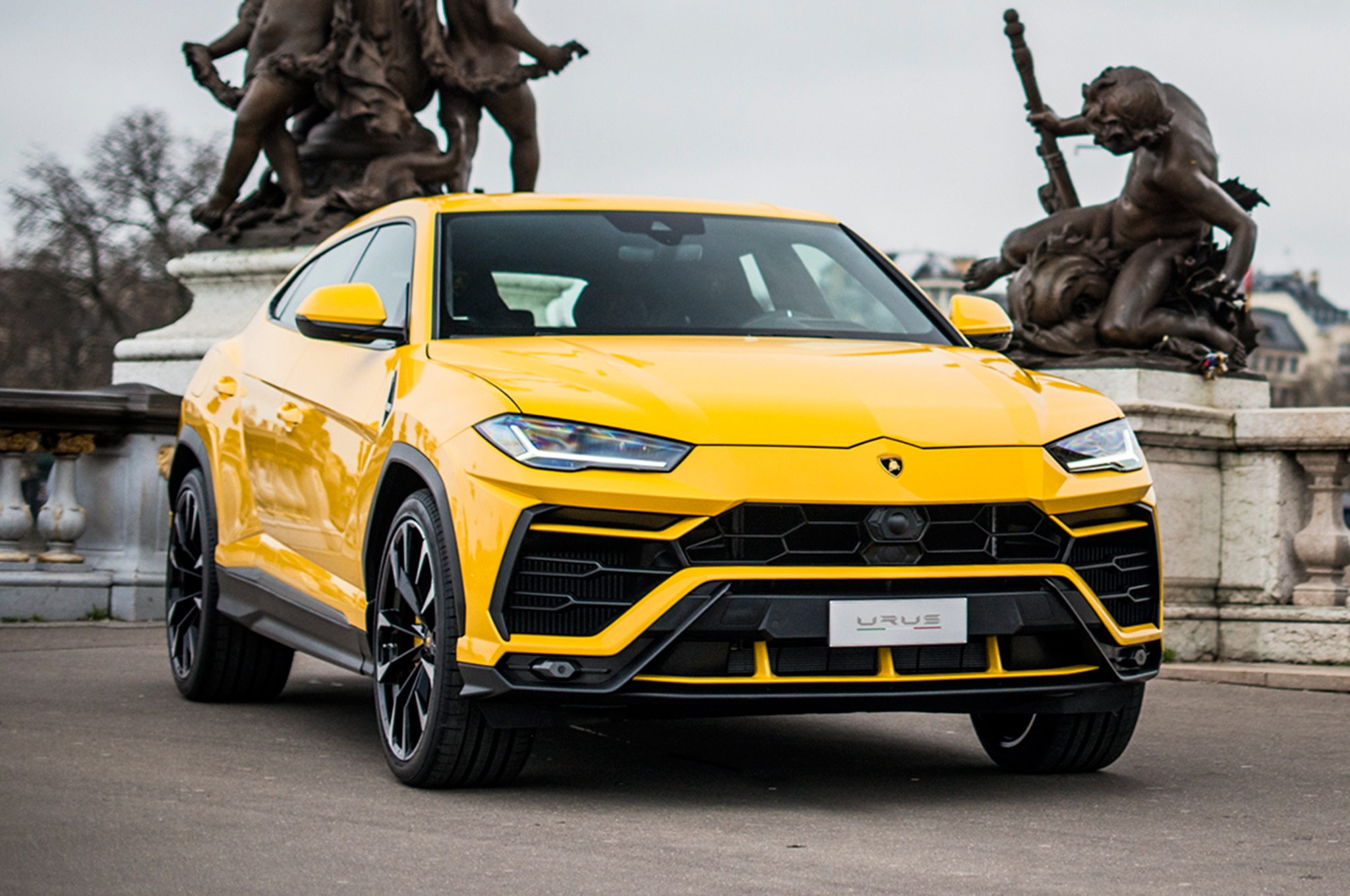 2019 lamborghini urus first drive review automobile magazine. Black Bedroom Furniture Sets. Home Design Ideas