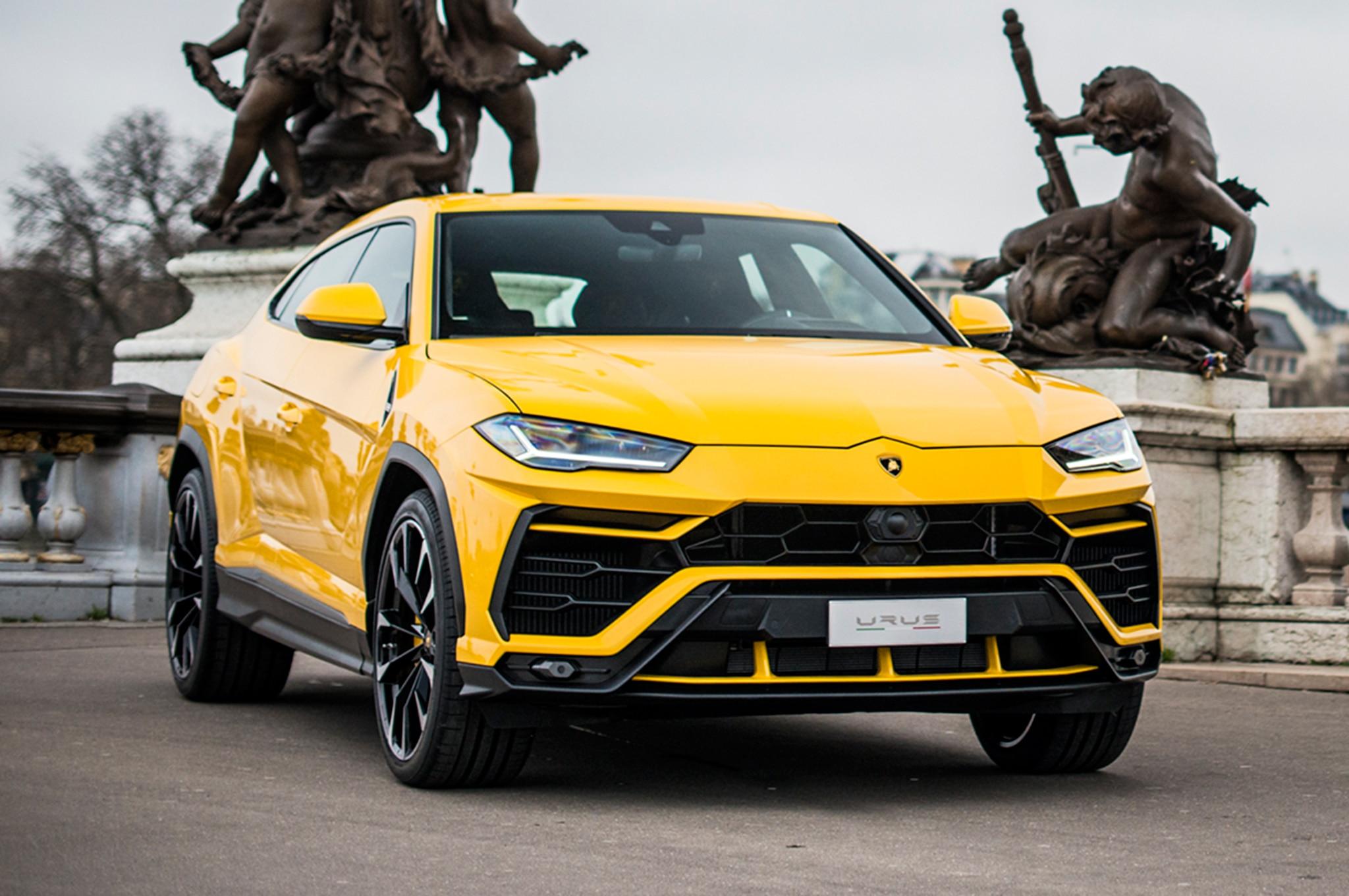 2019 Lamborghini Urus In Paris 3