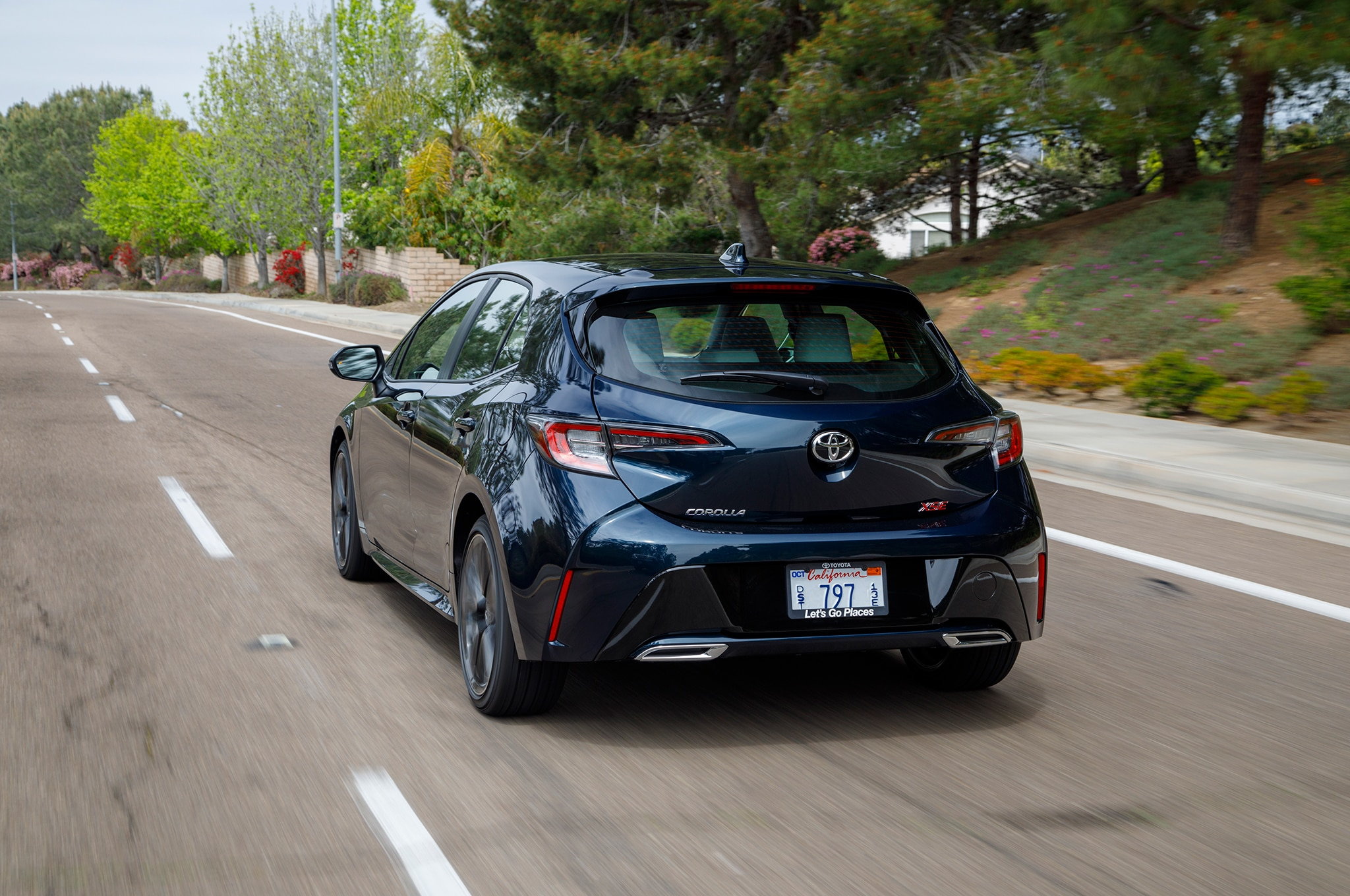 2019 Toyota Corolla Hatchback Gets 20 910 Starting Price