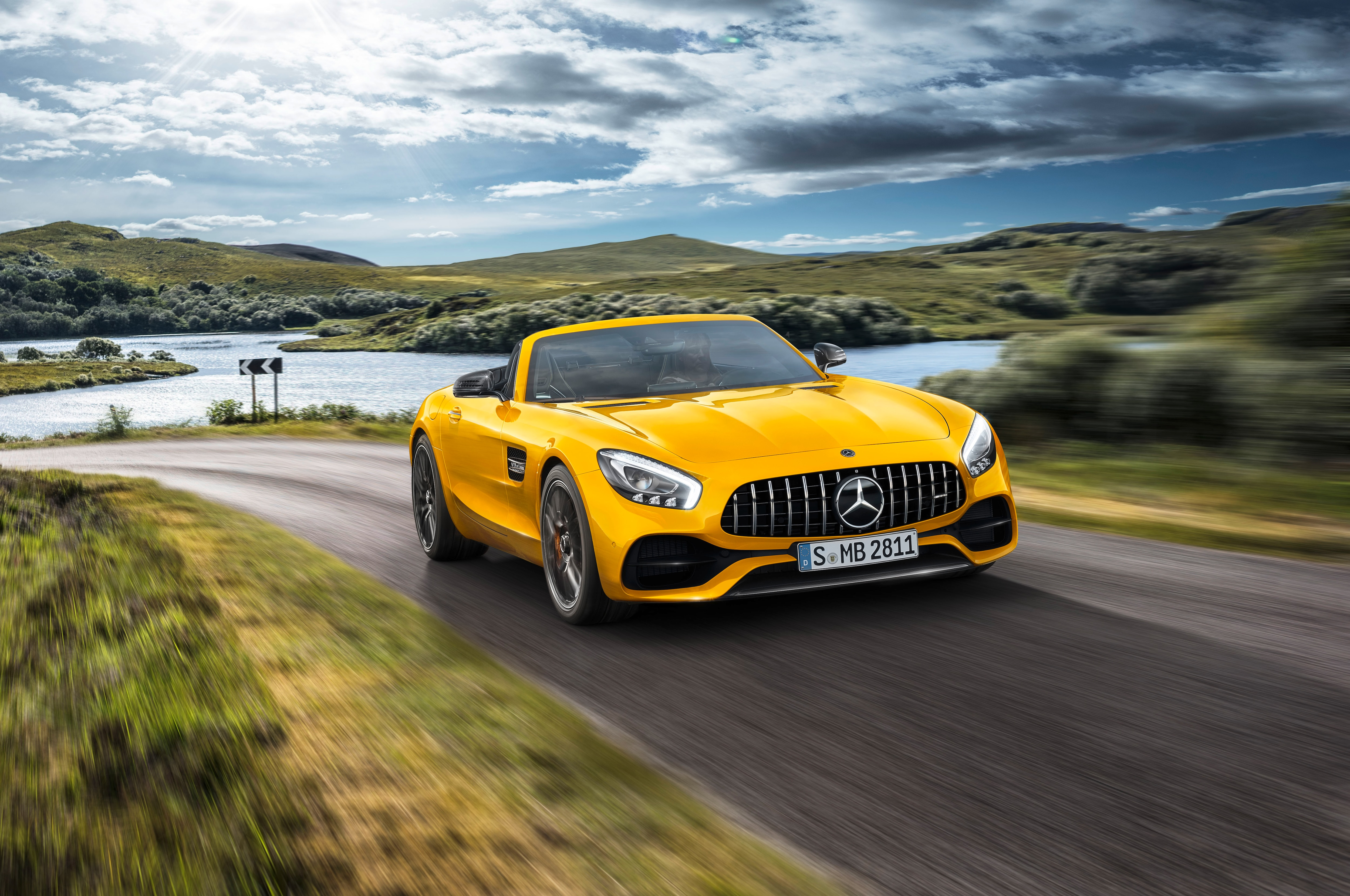 Mercedes-AMG GT S Roadster is Stuck in the Middle ...