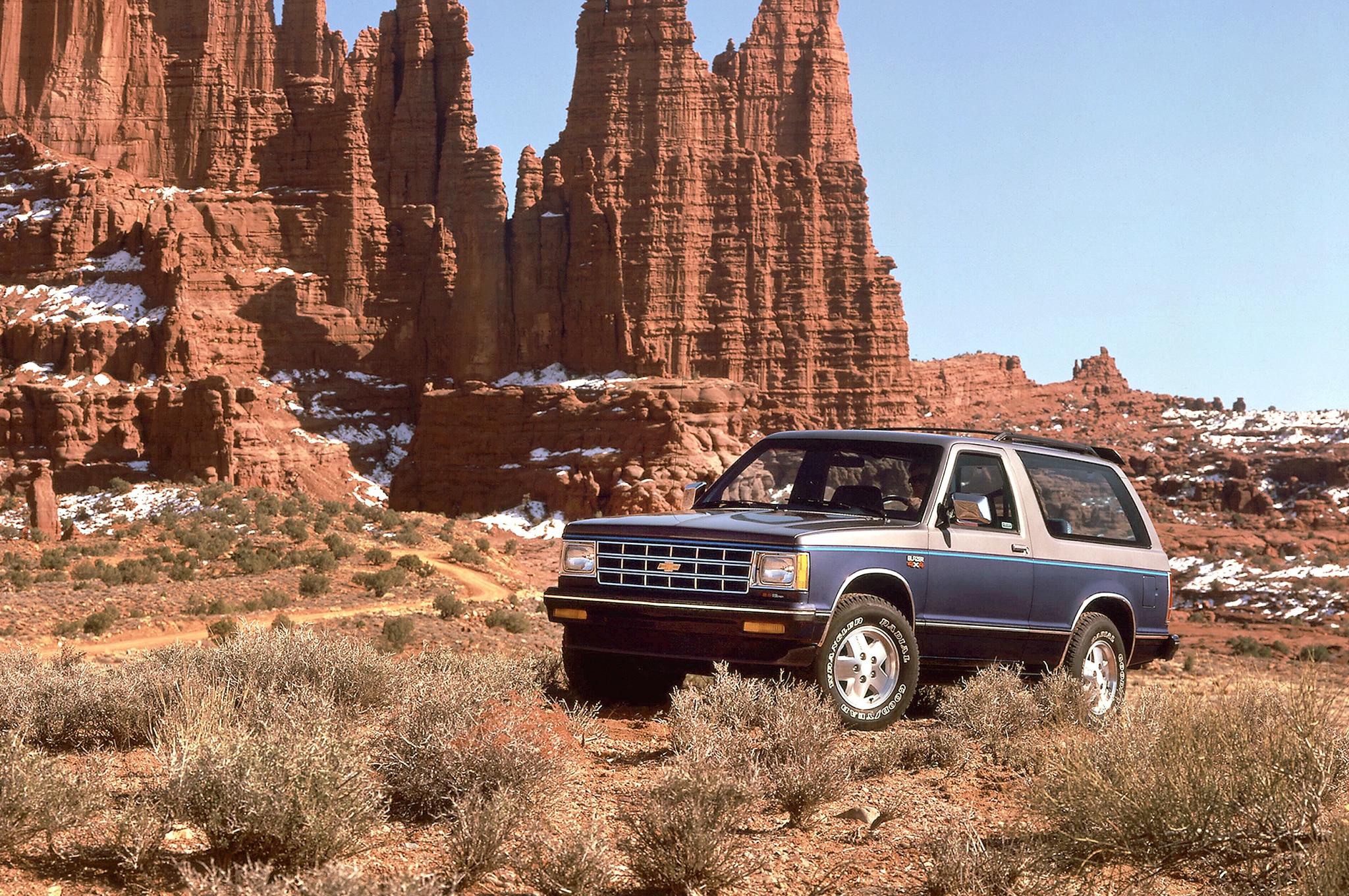 1986 Chevrolet S 10 Blazer 4x4 Front Three Quarter