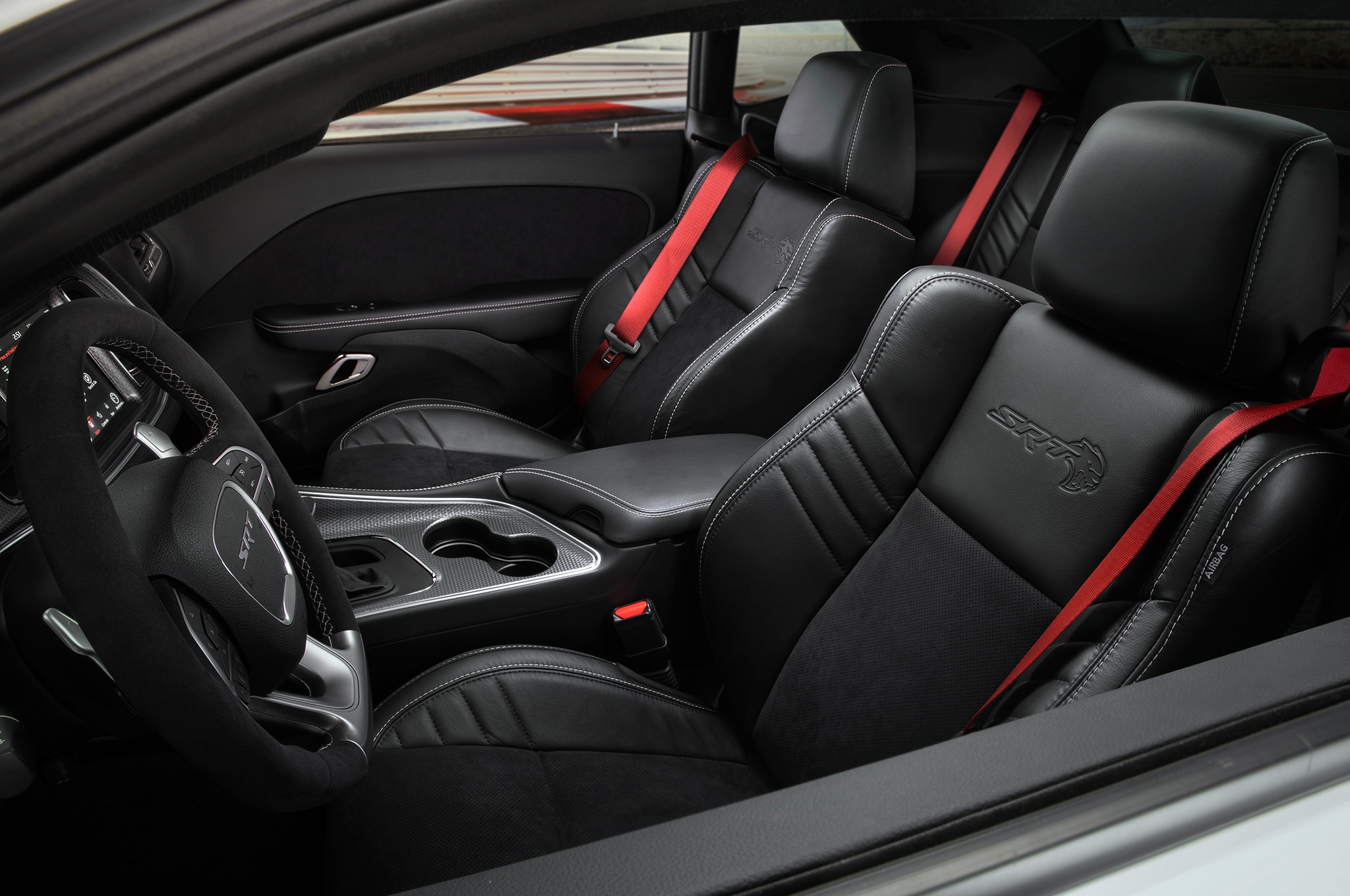 2019 dodge challenger srt hellcat redeye serves up 797. Black Bedroom Furniture Sets. Home Design Ideas