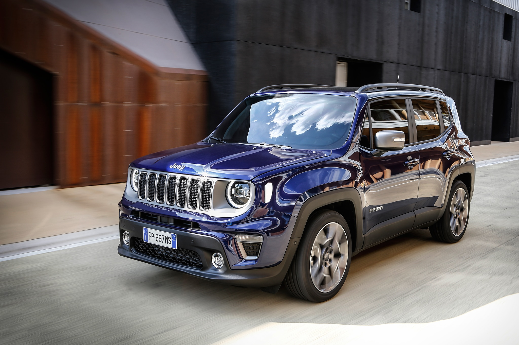 The Comprehensive 2019 Jeep Renegade Photo Gallery ...
