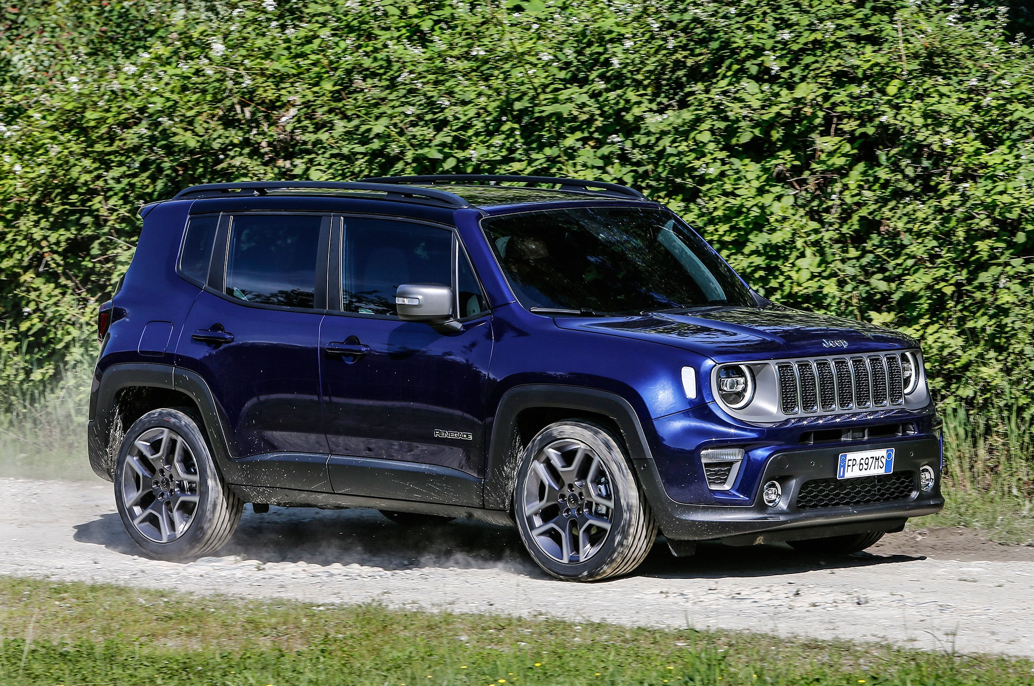 jeep to introduce renegade plug in hybrid in 2020. Black Bedroom Furniture Sets. Home Design Ideas