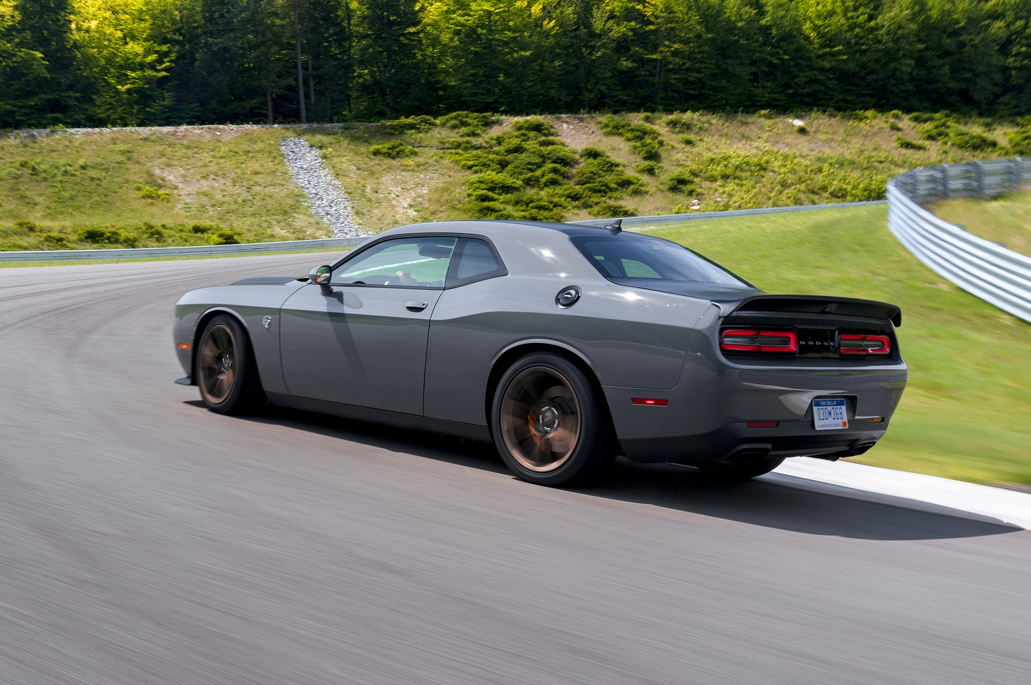 first drive  2019 dodge challenger srt hellcat redeye and r  t scat pack 392
