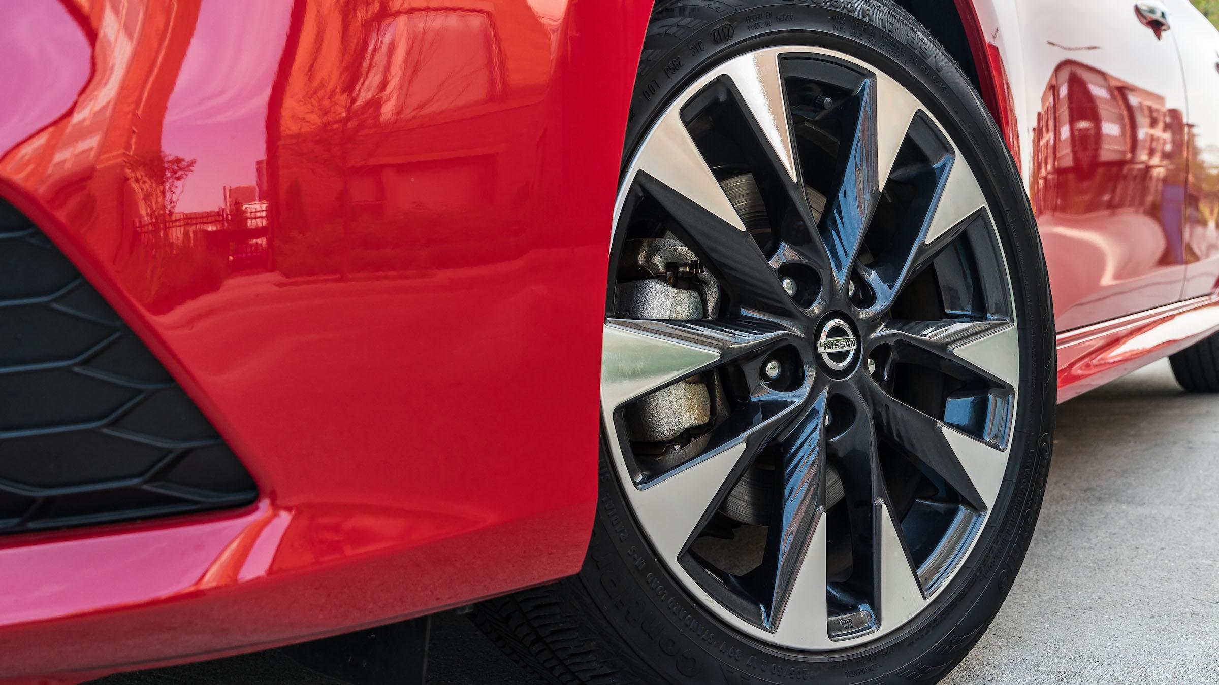 2019 Nissan Sentra Adds Android Auto, Apple CarPlay ...