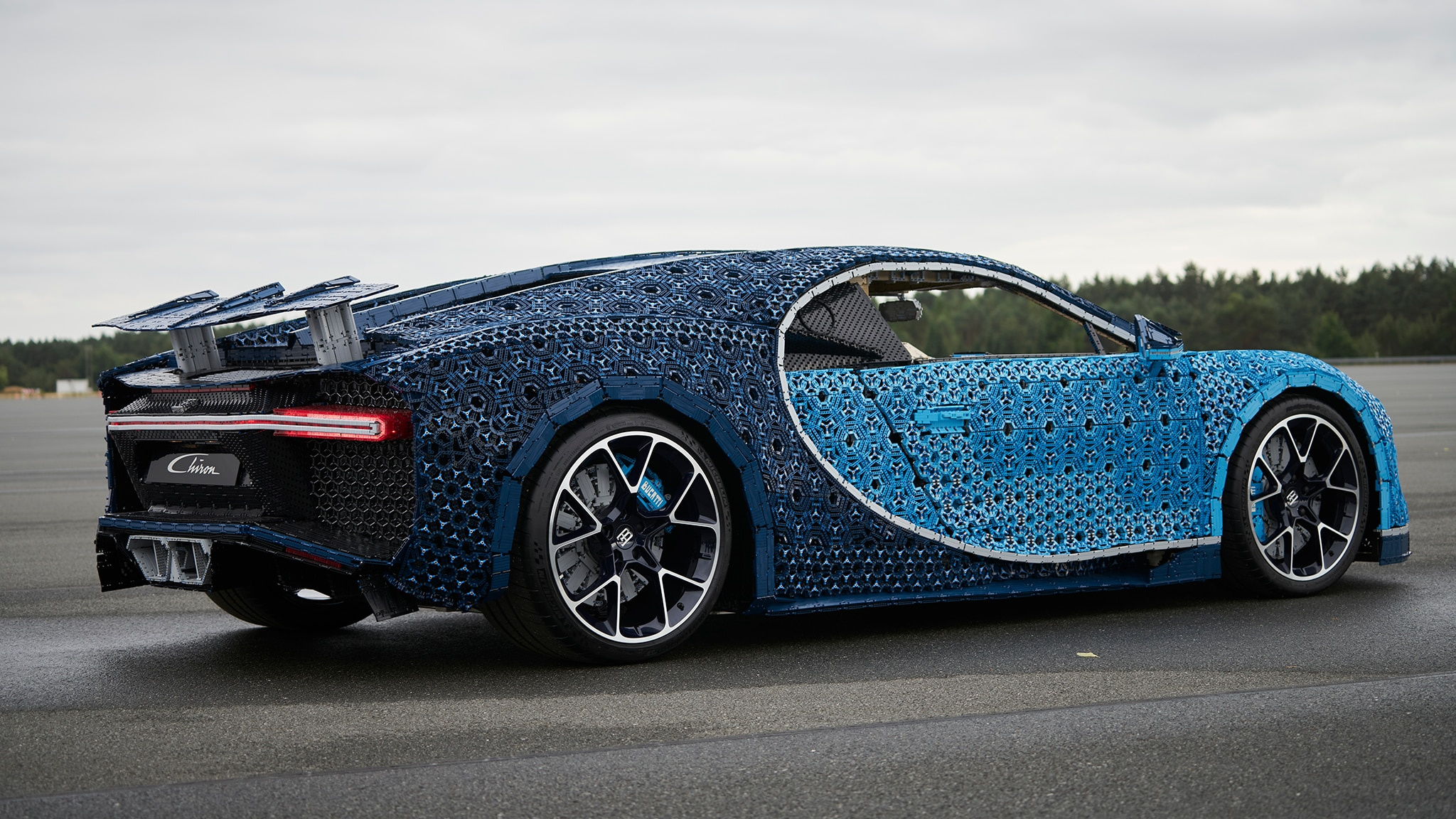 life size bugatti chiron made of legos actually runs automobile magazine. Black Bedroom Furniture Sets. Home Design Ideas