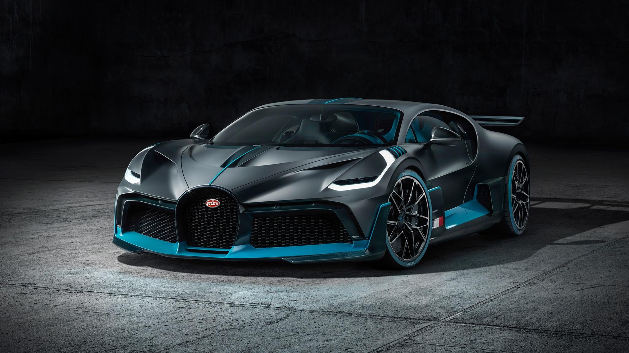 Bugatti Divo Front Three Quarter 2