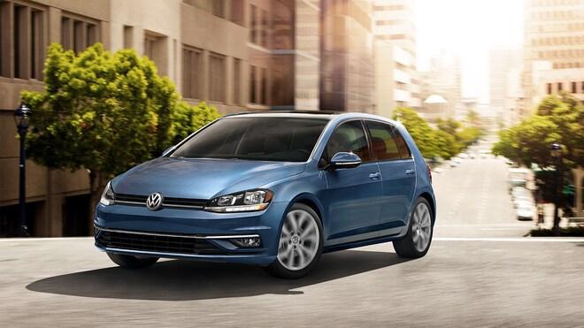 2019 Volkswagen Golf Front Three Quarters
