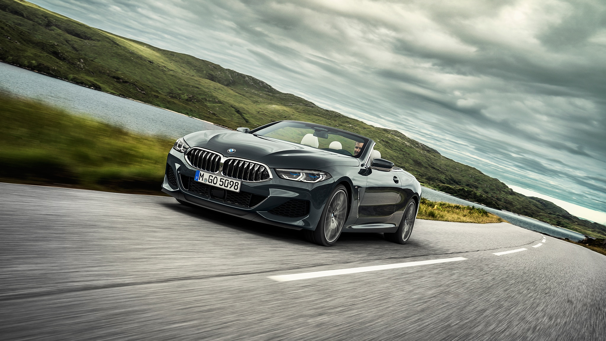 2019 BMW M850i Convertible Front Motion View At Angle