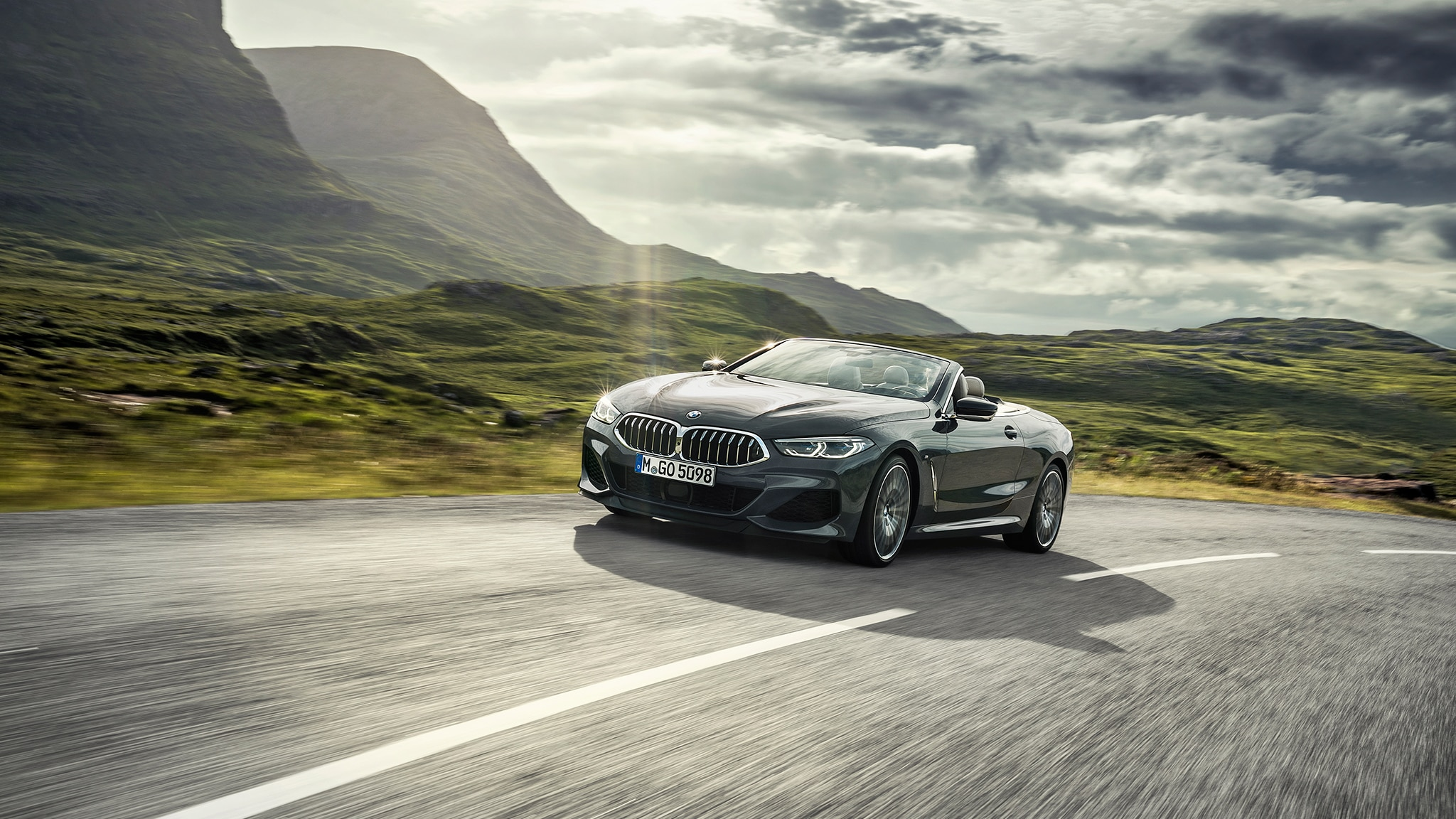 2019 BMW M850i Convertible Front Side Around Curve