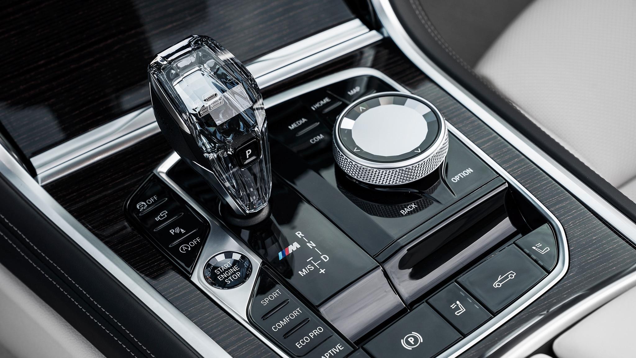 2019 BMW M850i Convertible Interior Gear Shift Detail