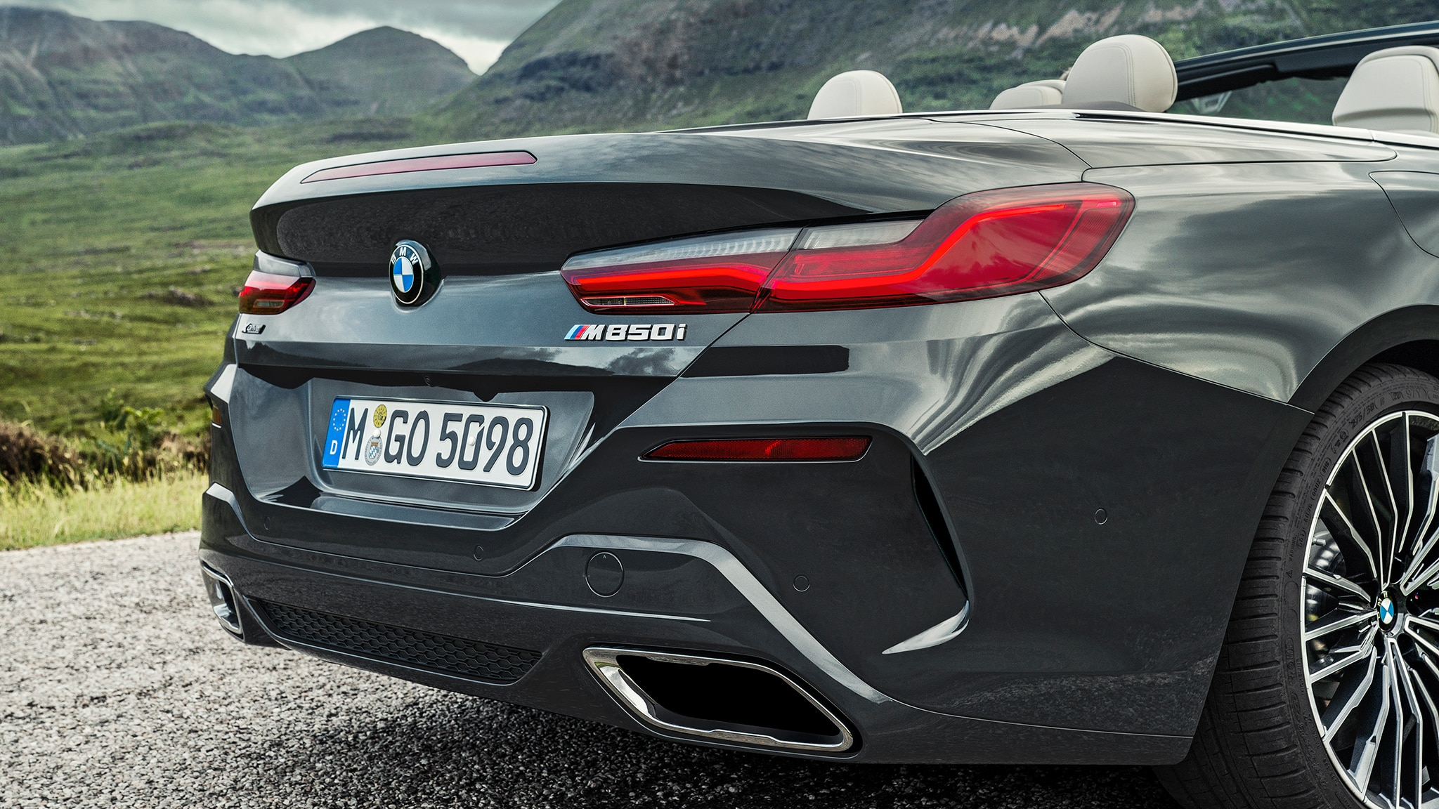 2019 BMW M850i Convertible Rear Clip