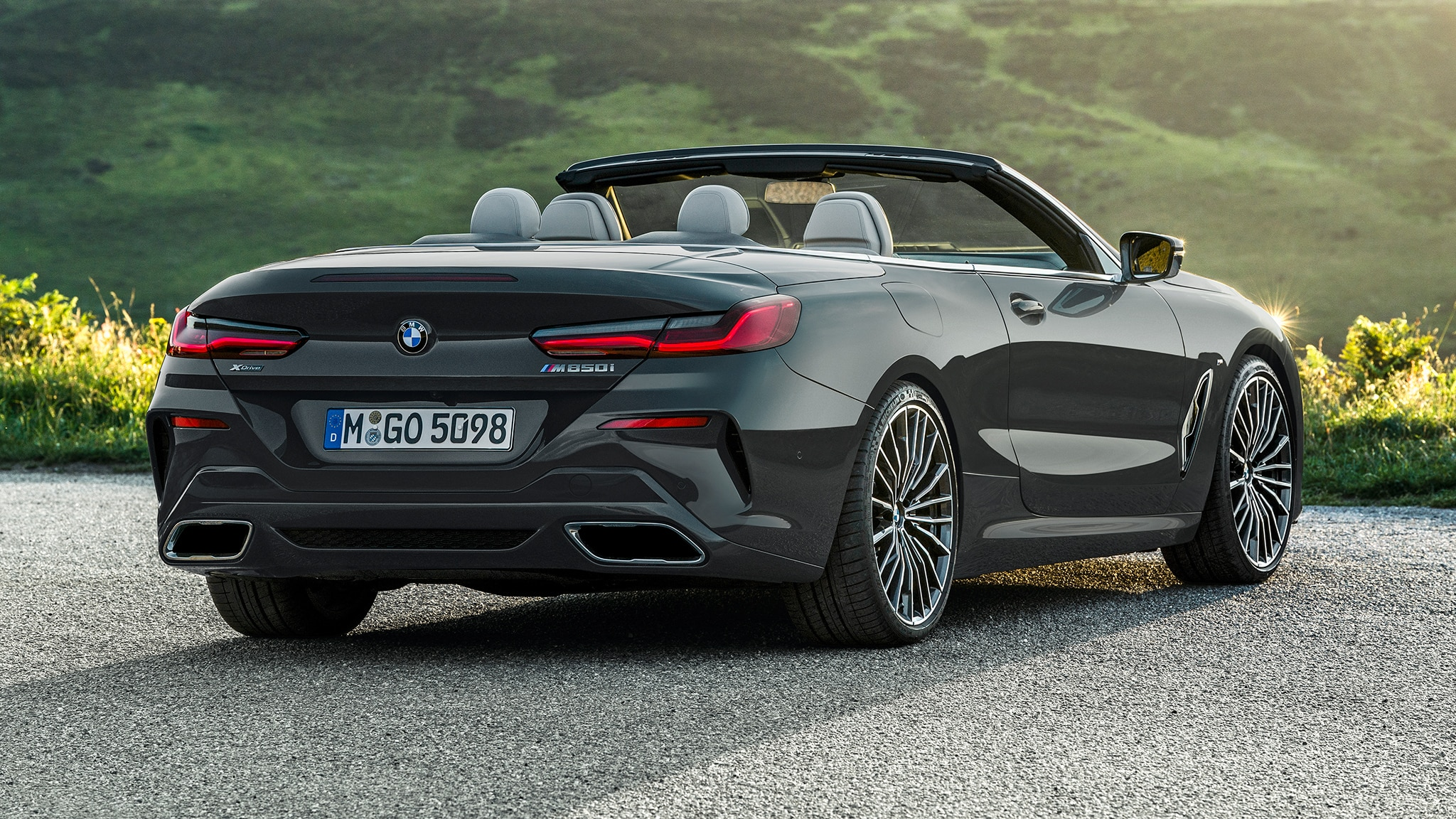 2019 BMW M850i Convertible Rear Side View Lights On