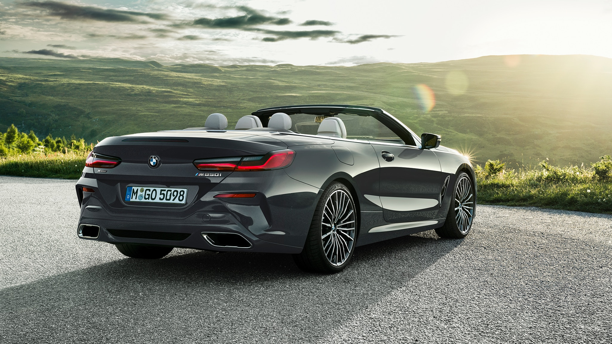2019 BMW M850i Convertible Rear Side View Sun Spots