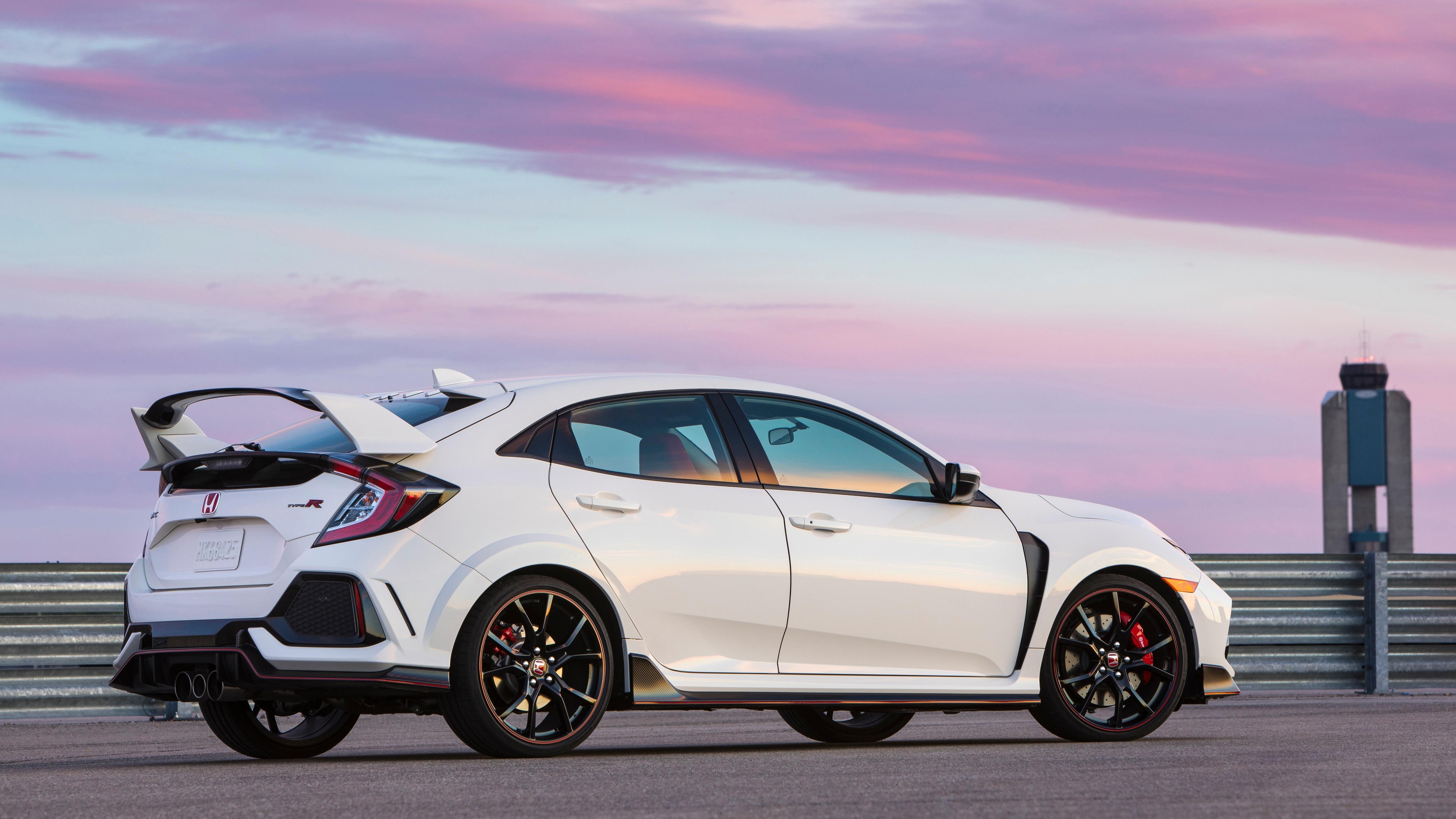 2019 Honda Civic Type R Rear Three Quarter