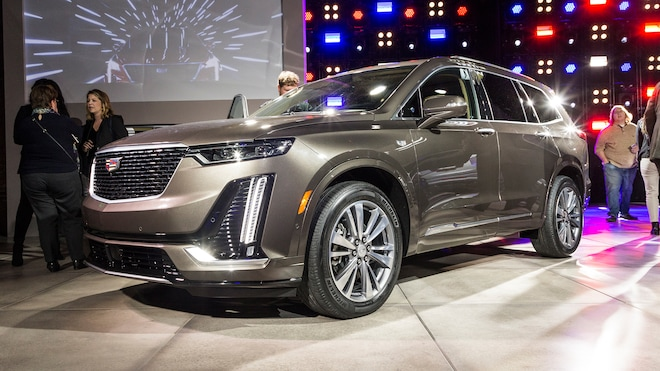 2020 Cadillac XT6 Reveal Front Side View