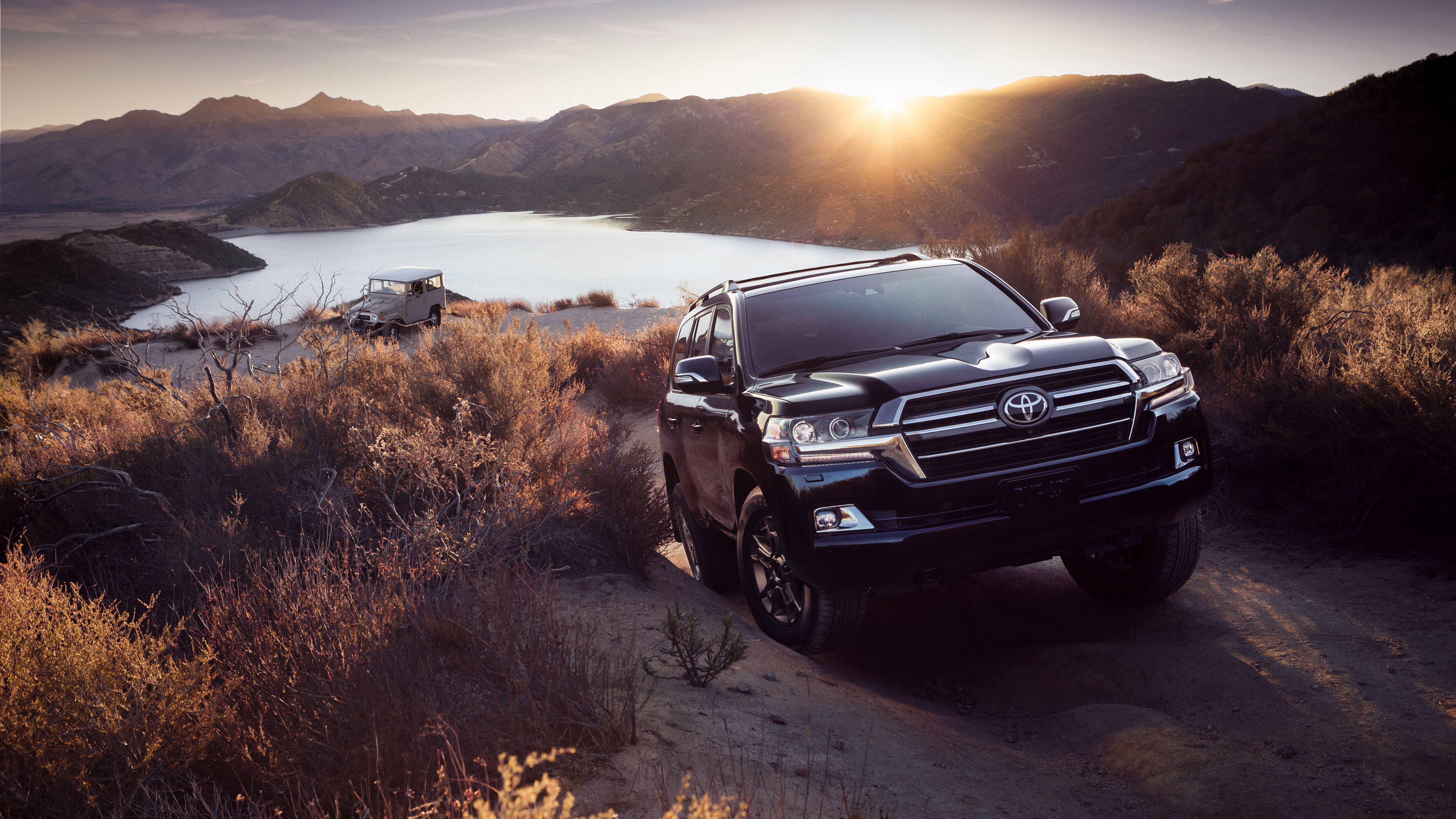 2020 Toyota Land Cruiser Heritage Edition Front