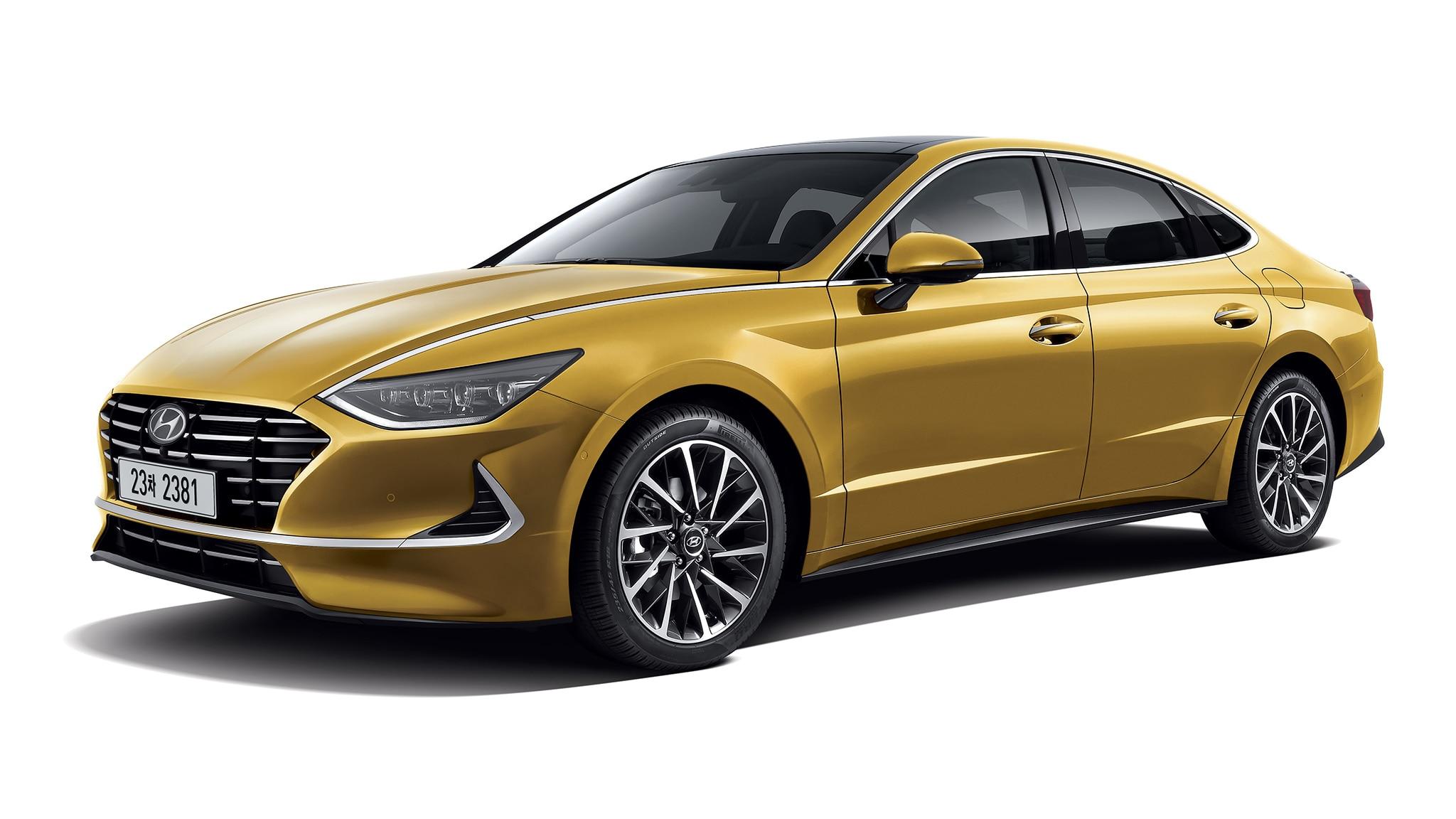2020 Hyundai Sonata Front Side View Studio