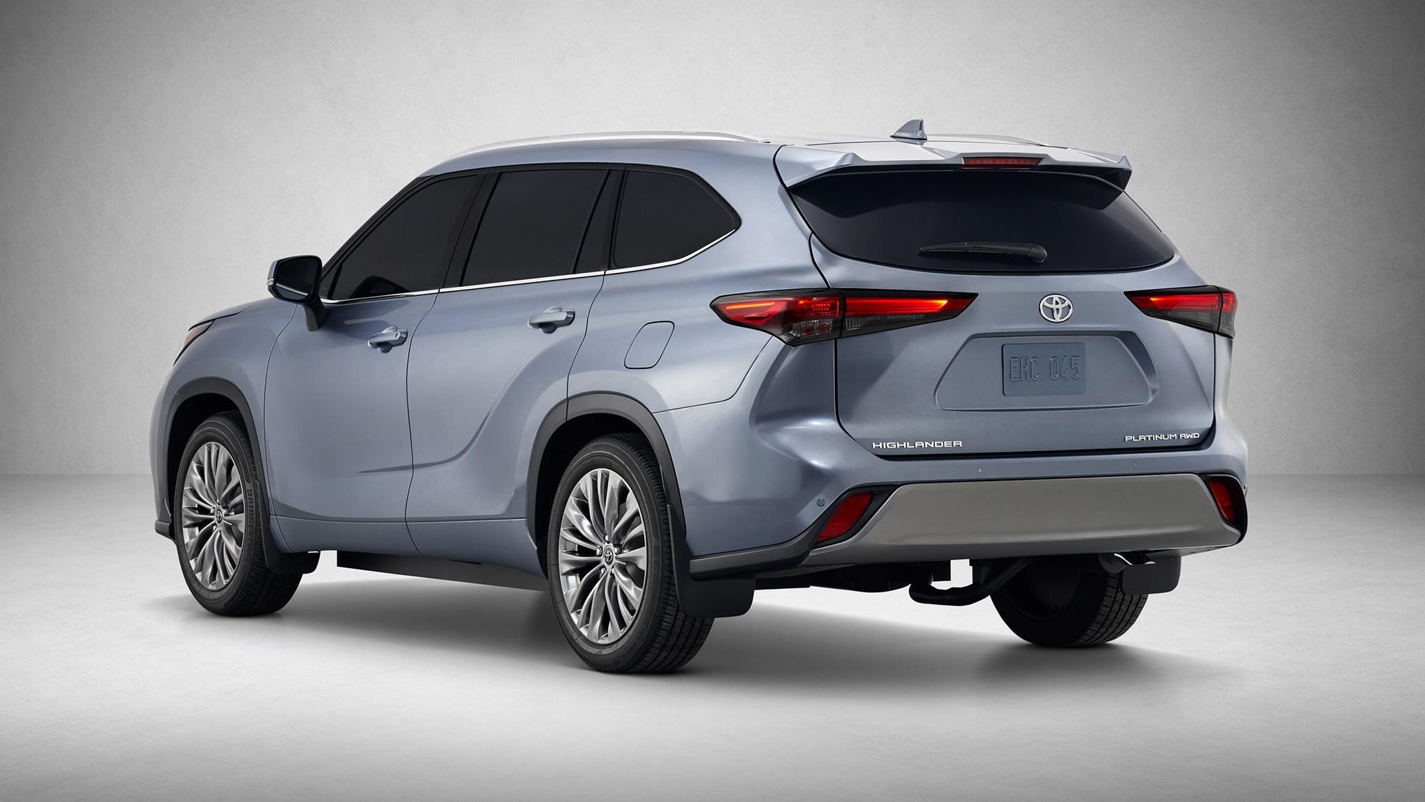 the 2020 toyota highlander's got what families crave