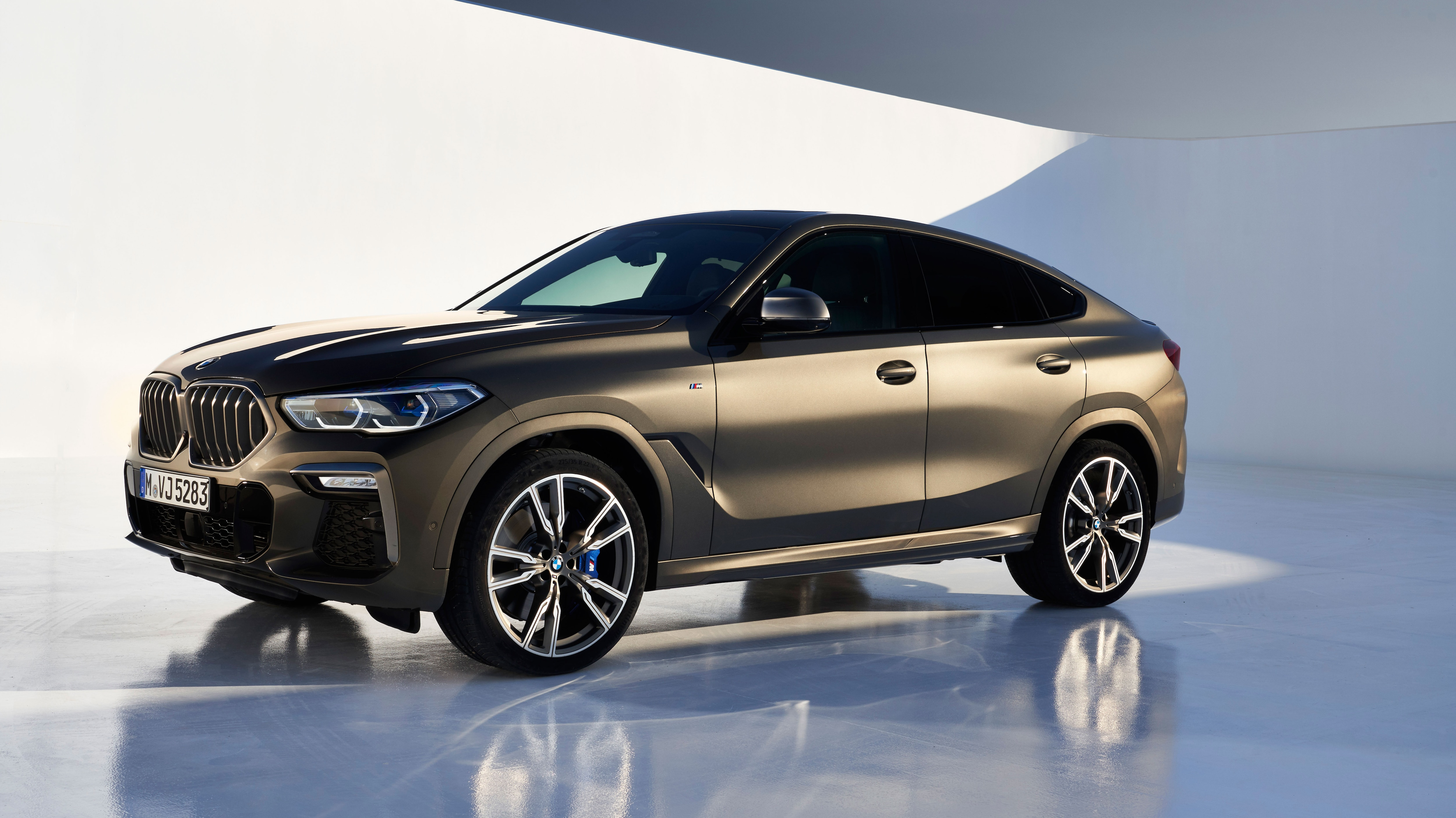 The 2020 Bmw X6 Looks Like An X5 And 8 Series Mashup Automobile