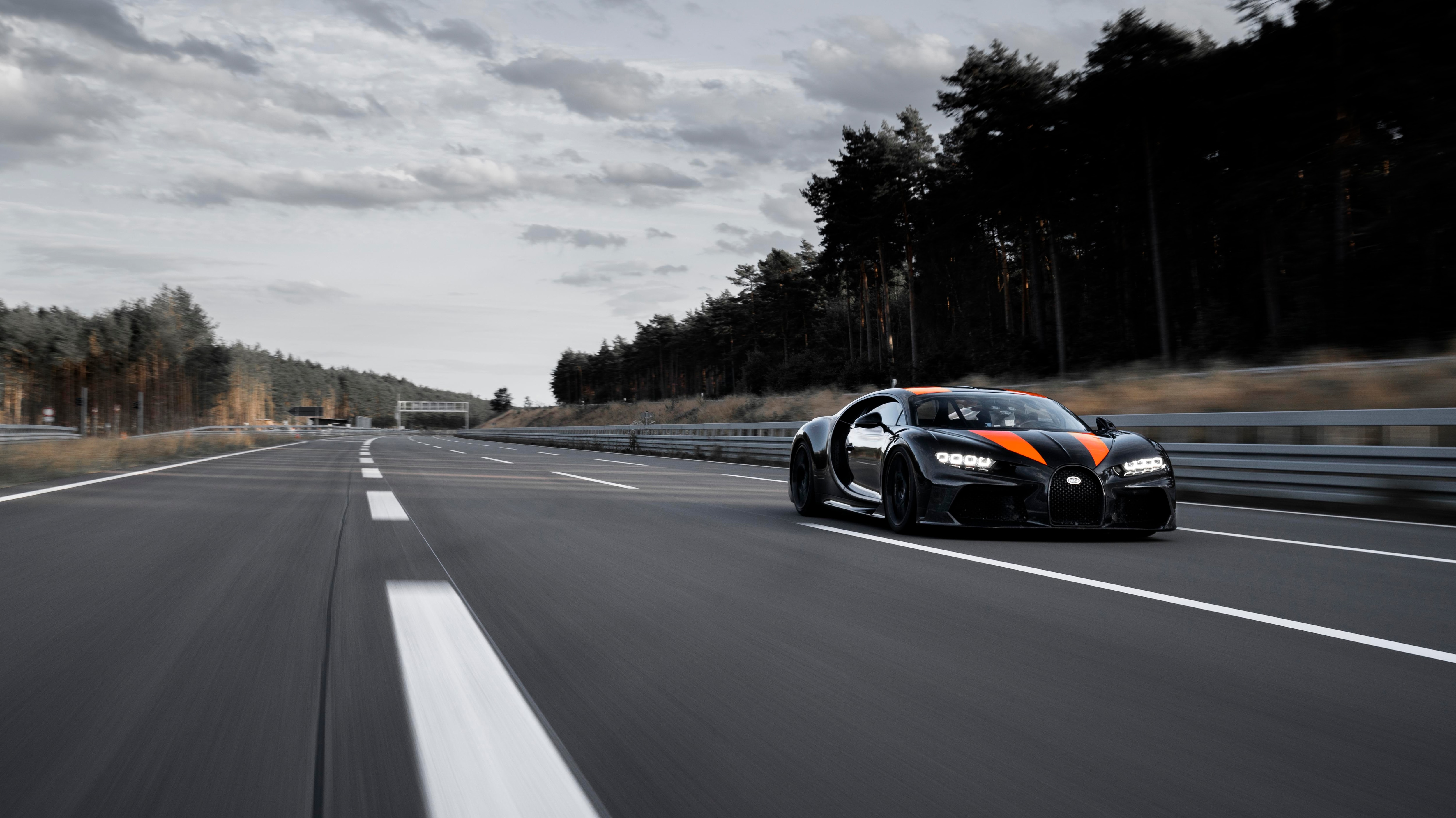 Bugatti Chiron Breaks 300-MPH Top-Speed Barrier—Holy
